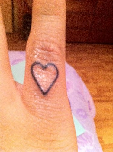 Miley Cyrus Bangerz Tour Tumblr Miley Cyrus Heart Tatt...