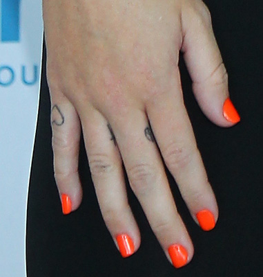 Miley Cyrus Finger Tattoos