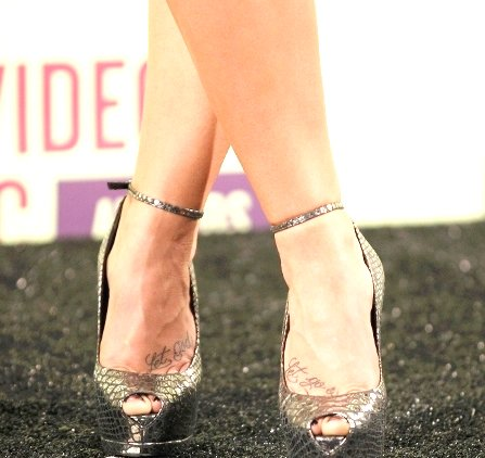 "Demi Lovato's ""Let Go & Let God"" Foot Tattoo"