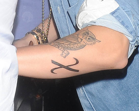 "Justin Bieber's ""X"" Greek Christ Symbol Tattoo on His Arm"