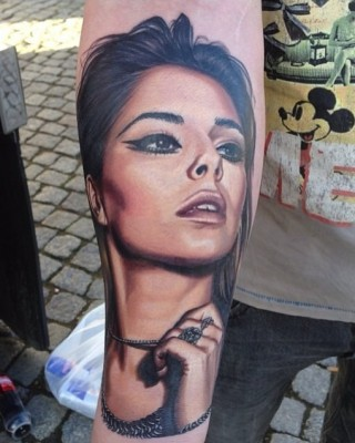 "Cheryl Cole ""Blown Away"" By Fan's Amazing Portrait Tattoo"