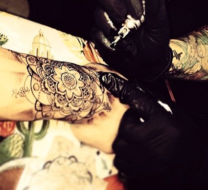 zayn malik flower wrist tattoo