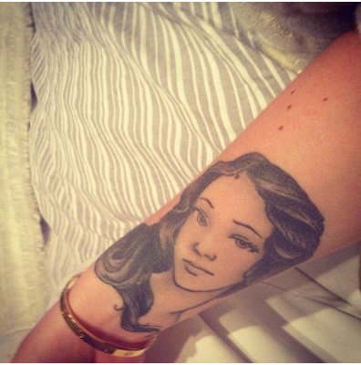 iggy-azalea-tattoo-arm-birth-of-venus-tattoo